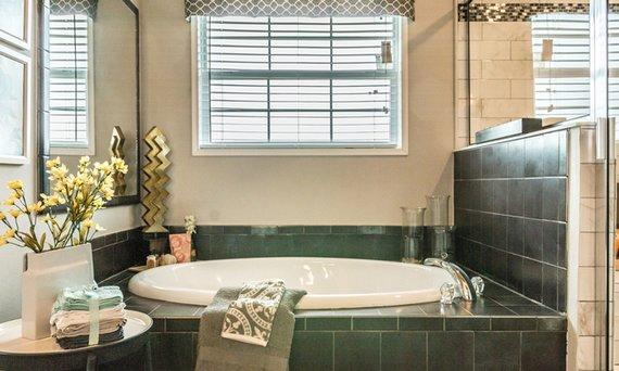 modular home bathroom image